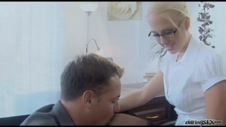 video porno, secr�taire chaudasse duree 20:27 - le 27.03.2015 17:39:45