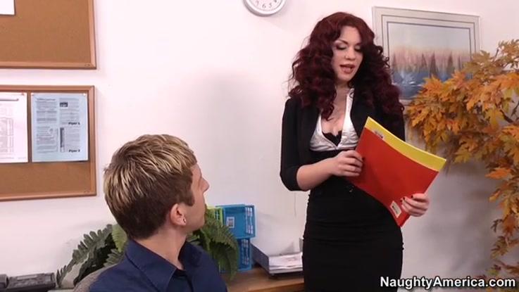 video porno, secrétaire chaudasse duree 27:05 - le 27.03.2015 17:39:46
