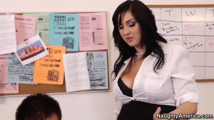 video porno, secrétaire chaudasse duree 29:28 - le 27.03.2015 17:39:52
