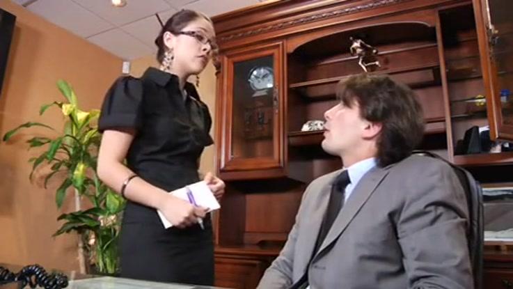 video porno, secrétaire chaudasse duree 35:37 - le 27.03.2015 17:40:40