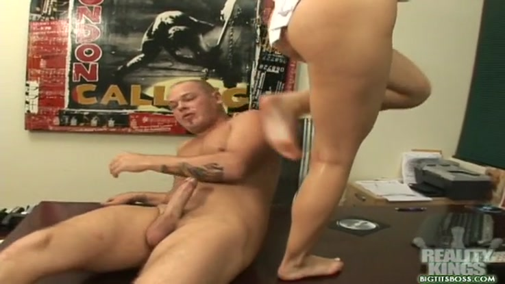 video porno, secrétaire chaudasse duree 08:04 - le 27.03.2015 17:40:58